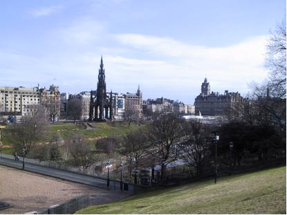 Why do so many writers live in Edinburgh?